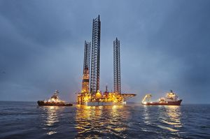 008_small-size_Rig-move_Giant_Port-Esbjerg_sep19_CHO.JPG